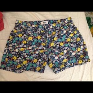 Pants - Size sixteen shorts juniors Very cute!